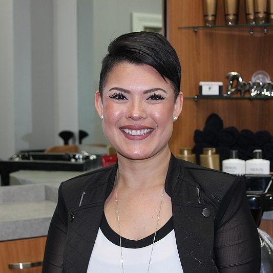 Victoria In Salon